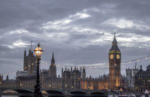 雅思背景知識: 從愛默森的〈英國人的特質〉來認識英國