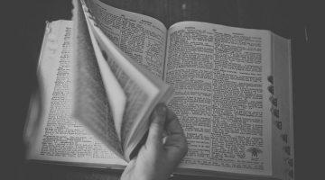 dictionary-698538_640